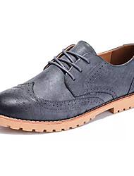 abordables -Hombre Zapatillas de deporte Confort PU Primavera Otoño Casual Confort Con Cordón Tacón Plano Gris Marrón Plano