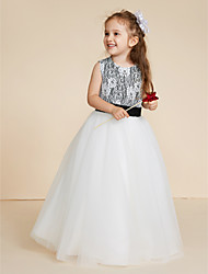 cheap -Ball Gown Floor Length Flower Girl Dress - Lace Tulle Sleeveless Jewel Neck with Appliques Lace Sash / Ribbon by LAN TING BRIDE®