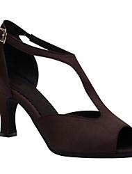 Недорогие -Для женщин Латина Шёлк Сандалии Концертная обувь С пряжкой Кубинский каблук Темно-коричневый 6 см Персонализируемая