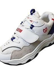 Недорогие -Для женщин Спортивная обувь Светодиодные подошвы Весна Осень Полиуретан Для прогулок Атлетический Шнуровка На плоской подошве Белый Черный