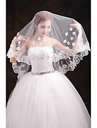 cheap -One-tier Lace Applique Edge Wedding Veil Elbow Veils Chapel Veils With Applique Embroidery Tulle