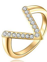 Dámské Široké prsteny Křišťál Přizpůsobeno Luxus Klasické Základní Sexy láska Módní Cute Style Elegantní Křišťál Slitina Üçgen Šperky