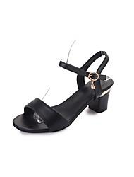 Недорогие -Для женщин Сандалии Удобная обувь Полиуретан Лето Повседневные Для прогулок На низком каблуке Белый Черный 7 - 9,5 см