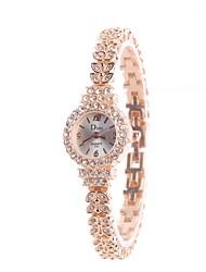 baratos -Mulheres Relógio de Pulso / Simulado Diamante Relógio Chinês imitação de diamante Lega Banda Amuleto / Heart Shape / Casual Prata / Dourada / Ouro Rose