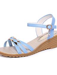 preiswerte -Damen Schuhe PU Frühling / Sommer Komfort Sandalen Keilabsatz Offene Spitze Schnalle Beige / Hellblau / Keilabsätze