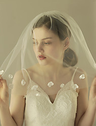 Wedding Veil One-tier Shoulder Veils Intersperse Handcrafted Flowers Cut Edge Lace Applique Edge Bride Tulle New