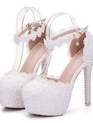 abordables -Femme Chaussures Polyuréthane Printemps / Automne Confort / Nouveauté Chaussures de mariage Bout pointu Cristal / Perle / Appliques Blanc