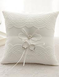 Недорогие -лента горный хрусталь цветок (ы) лук атлас шелка кольцо подушки свадебная церемония