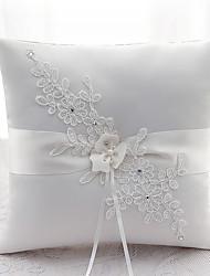 Недорогие -лента горный хрусталь цветок (ы) сатин шелка кольцо подушки свадебная церемония