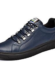 preiswerte -Herrn Schuhe Kunstleder Leder Frühling Sommer Komfort Sneakers für Normal Weiß Schwarz Blau