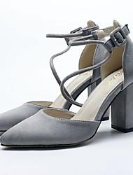 preiswerte -Damen Schuhe Kunstleder Frühling Sommer Pumps High Heels Blockabsatz Spitze Zehe Schnalle für Normal Kleid Schwarz Grau