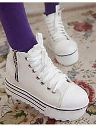 preiswerte -Damen Schuhe Leinwand Frühling Herbst Komfort Sneakers Creepers für Normal Weiß Schwarz