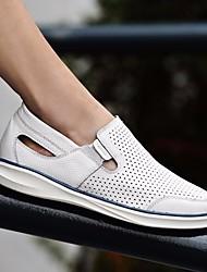 Недорогие -Муж. обувь Кожа Лето Удобная обувь Кеды для Повседневные Белый Синий Вино