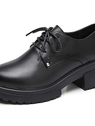 preiswerte -Damen Schuhe Leder Frühling Sommer Komfort Pumps Outdoor Blockabsatz Mittelhohe Stiefel für Normal Büro & Karriere Schwarz