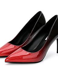 baratos -Mulheres Sapatos Couro Ecológico Primavera / Outono Plataforma Básica Saltos Salto Agulha Dedo Apontado Preto / Prata / Vermelho / Social