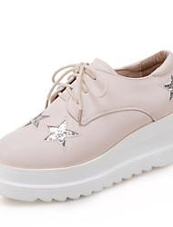 preiswerte -Damen Schuhe PU Frühling Herbst Komfort Outdoor Flacher Absatz Runde Zehe für Weiß Schwarz Beige