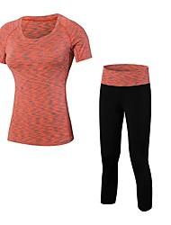 baratos -Mulheres activewear Set - Azul, Violeta, Vermelho / Branco Esportes Sólido Leggings / Conjuntos de Roupas Fitness Manga Curta / Colhida Pant Roupas Esportivas Respirabilidade Com Stretch