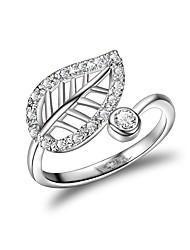 Недорогие -Жен. манжета кольцо Micro Pave Ring Цирконий Серебряный Циркон Серебрянное покрытие Геометрической формы Классика Свадьба Для вечеринок Бижутерия Цветы Clover