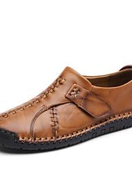 baratos -Homens Sapatos de Condução Couro Verão Conforto Mocassins e Slip-Ons Preto / Castanho Claro / Castanho Escuro
