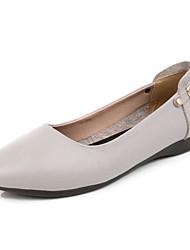 baratos -Mulheres Sapatos Pele Primavera / Outono Conforto Rasos Salto Baixo Preto / Bege / Castanho Claro