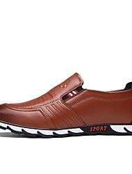 baratos -Homens Sapatos de Condução Pele Napa Primavera / Outono Conforto Mocassins e Slip-Ons Preto / Marron / Azul