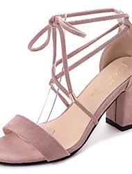 baratos -Mulheres Sapatos Couro Ecológico Primavera / Verão Conforto Sandálias Salto de bloco Ponta Redonda Preto / Rosa claro / Com Laço