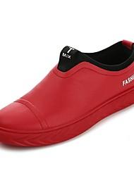baratos -Homens Sapatos de Condução Poliuretano Primavera Mocassins e Slip-Ons Branco / Preto / Vermelho