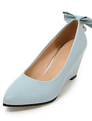 preiswerte -Damen Schuhe Kunstleder Frühling Pumps High Heels Keilabsatz Spitze Zehe Schleife Glitter für Normal Party & Festivität Weiß Beige Blau