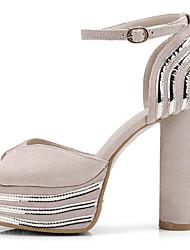 abordables -Femme Chaussures Cuir Nubuck Printemps été Confort / Nouveauté Sandales Talon Bottier Bout ouvert Boucle Noir / Beige / Marron
