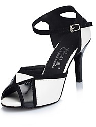 Недорогие -Жен. Обувь для латины Дерматин На каблуках Планка Тонкий высокий каблук Персонализируемая Танцевальная обувь Черный / Белый / Выступление