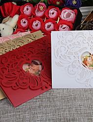Недорогие -Сгиб-калитка Свадебные приглашения 30шт - Пригласительные билеты / Образец приглашения / Открытки ко дню матери Старинный / Сердце Тиснённая бумага