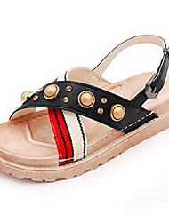 baratos -Mulheres Sapatos Couro Ecológico Verão Conforto Sandálias Sem Salto Ponta Redonda Pedrarias para Ao ar livre Preto / Bege