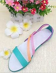 Недорогие -Жен. Обувь КожаПВХ Лето Удобная обувь Сандалии На плоской подошве Круглый носок Лиловый / Красный / Зеленый