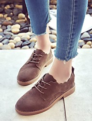 baratos -Mulheres Sapatos Couro Ecológico Primavera / Outono Conforto Oxfords Salto Baixo Preto / Castanho Escuro