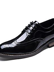 Недорогие -Муж. Официальная обувь Синтетика / Искусственная кожа / Материал на заказ клиента Зима Удобная обувь Туфли на шнуровке Черный / Коричневый