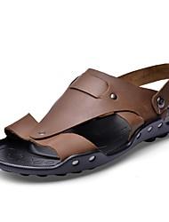 Недорогие -Муж. обувь Кожа Лето Удобная обувь Сандалии для на открытом воздухе Черный Темно-коричневый Хаки