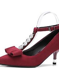 baratos -Mulheres Sapatos Camurça Outono Tira em T Saltos Salto Agulha Dedo Apontado Laço / Presilha Preto / Vermelho / Festas & Noite