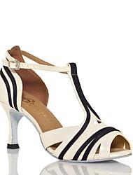 Недорогие -Жен. Танцевальная обувь Лакированная кожа Обувь для латины Планка Сандалии Тонкий высокий каблук Черный / Бежевый / Тренировочные