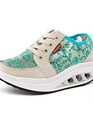 baratos -Mulheres Sapatos Camurça / Tule Primavera Conforto Tênis Caminhada Salto Plataforma Ponta Redonda Khaki / Verde Claro