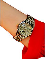 Недорогие -Жен. Наручные часы Кварцевый Белый / Серебристый металл / Золотистый Секундомер Светящийся Повседневные часы Аналоговый Дамы Блестящие Кольцеобразный - Серебряный Серебро / черный Цвет-леопард