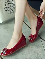 abordables -Femme Chaussures Cuir Verni Printemps été Confort / Escarpin Basique Mocassins et Chaussons+D6148 Talon Bas Bout fermé Rouge / Vin / Amande