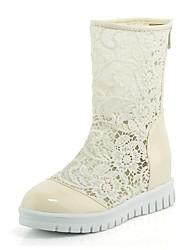 baratos -Mulheres Sapatos Renda / Couro Ecológico Primavera Verão Botas da Moda Botas Sem Salto Ponta Redonda Branco / Preto / Bege
