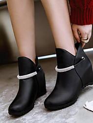 baratos -Mulheres Sapatos Couro Envernizado Outono & inverno Plataforma Básica / Botas da Moda Botas Salto Plataforma Dedo Fechado Botas Curtas / Ankle Preto / Amêndoa