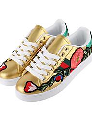 baratos -Mulheres Embroided Shoes Couro Ecológico Primavera Verão Calçado vulcanizado Tênis Sem Salto Ponta Redonda Rendado Branco / Preto / Amarelo