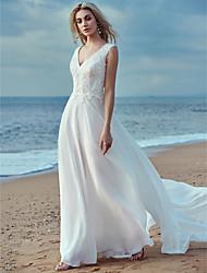 abordables -Trapèze Col en V Traîne Brosse Mousseline de soie / Dentelle Robes de mariée sur mesure avec Dentelle par LAN TING BRIDE®