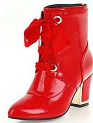 Недорогие -Жен. Fashion Boots Лакированная кожа Наступила зима Ботинки На толстом каблуке Круглый носок Сапоги до середины икры Белый / Черный / Красный / Для вечеринки / ужина