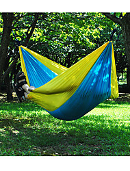 Недорогие -Туристический гамак На открытом воздухе Компактность, Влагонепроницаемый, Хорошая вентиляция Нейлон для 2 человека Охота / Рыбалка / Пешеходный туризм - Зеленый + серый, Синий+Розовый, Rose