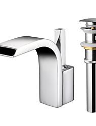 Недорогие -Ванная раковина кран - Водопад Хром Настольная установка Одной ручкой одно отверстиеBath Taps