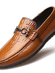 Недорогие -Муж. Кожаные ботинки Искусственный мех Весна Классика Мокасины и Свитер Нескользкий Черный / Коричневый