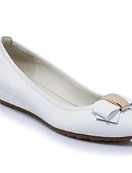 Недорогие -Жен. Комфортная обувь Лакированная кожа Весна На плокой подошве На плоской подошве Белый / Черный / Винный